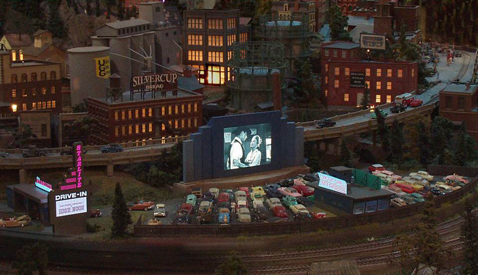 ho trains_model trains_railroads on parade_custom model railroad layouts